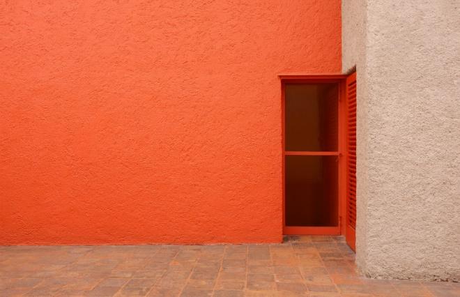 メキシコの色彩に魅せられて フリーダ・カーロの「青い家」