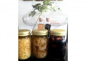 ニンニクを使った、3種のお役立ち常備調味料レシピ