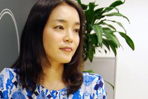 長時間労働・孤立・燃え尽き症候群… 日本の女性リーダーが幸せになれないワケ
