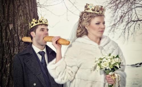 フランスパンが貫通! 結婚式で夫を殺害した新婦