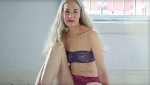62歳の下着モデルが美し過ぎると話題に