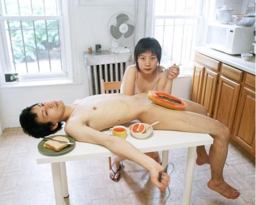 「男らしさ」「女らしさ」にコントロールされた世界 恋愛のステレオタイプに疑問を投げかける中国の女性写真家の作品がすごい