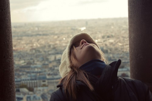 バブル女性はなぜパリを目指したのか 離婚騒動の中山美穂も踊らされた「オシャレ洗脳」