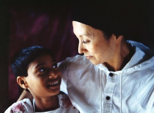 夏木マリさんが途上国の子どもと女性を支援する本当の理由