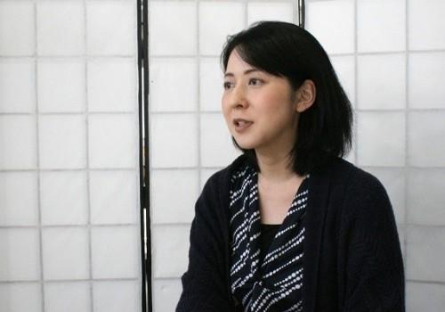 岩瀬香奈子(いわせ・かなこ)