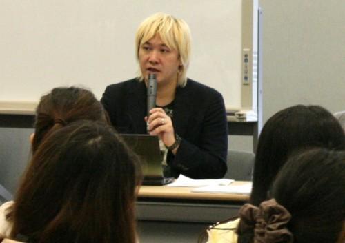 津田氏や蓮舫議員らも女性差別を議論