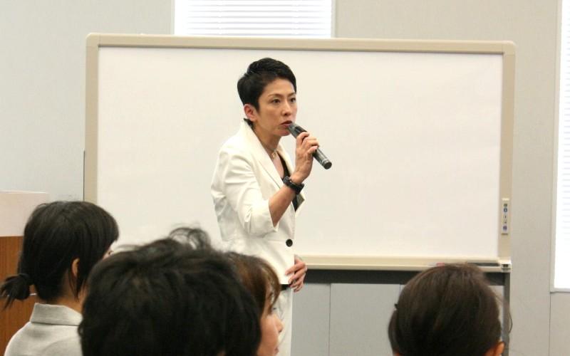 津田氏や蓮舫議員らも女性差別を議論 ひとりひとりがアクションを起こす 活発な議論の結果、具体的に