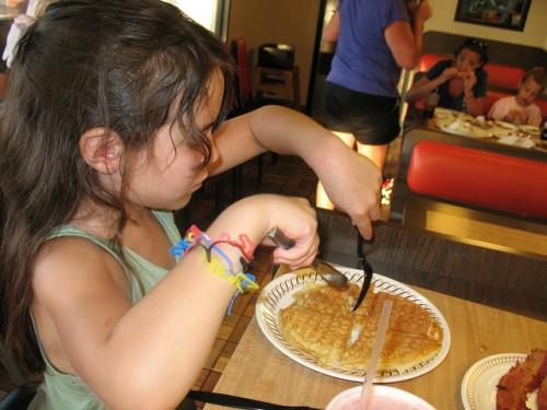 """カフェやレストランで""""お子様お断り"""" 世界中で子ども入場禁止の店が増えている理由"""