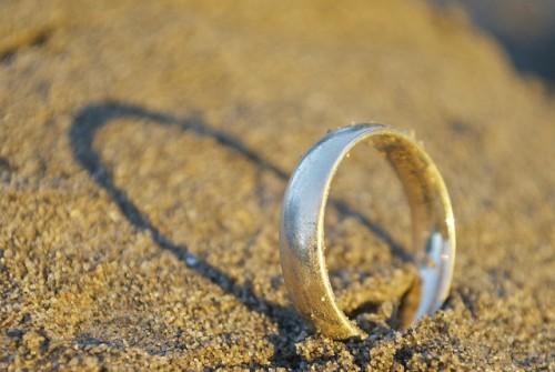 「忙しすぎる夫」と離婚する方法を学ぶ