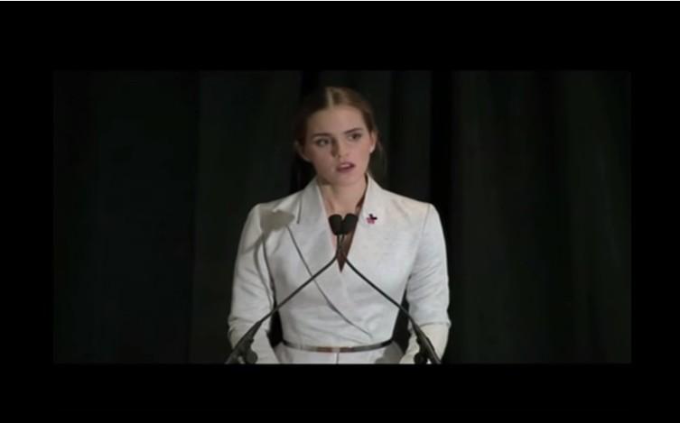 """シャネルはエマ・ワトソンの「HeForShe」を支持! パリコレのショーが""""フェミニズムのデモ風""""に"""