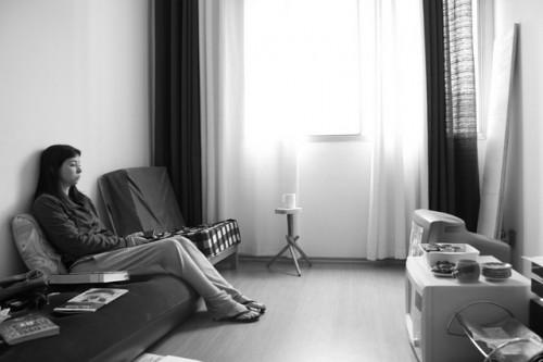 """未婚で無職の""""大人ひきこもり""""が増加! 話題の「女性SNEP」の原因と対策とは?"""