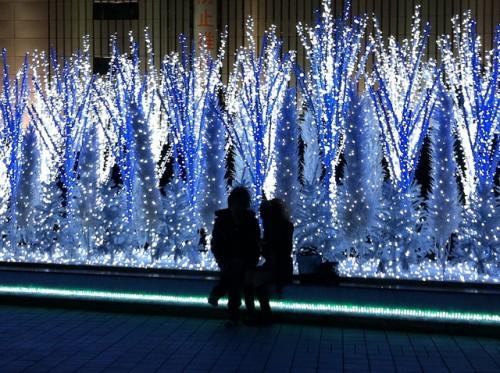 カップルの約半分はクリスマス「仕事で会えない」 調査で判明した厳しい現実