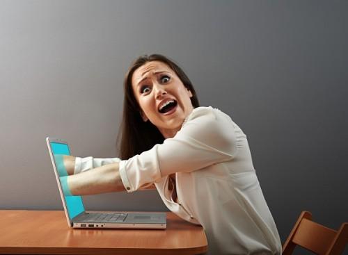イライラや鬱の原因、時間のムダ… あなたを不幸にする「ネット依存」から抜け出す3つのステップ