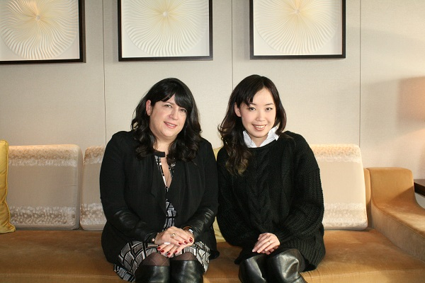 【対談】日英2人の女性官能作家が語る―女性向け官能小説が世界で流行する理由とは?