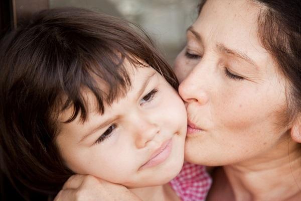 英国で50歳以上の女性から生まれた子供は700人 世界で増える「高齢出産」事情