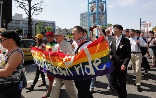 同性婚法が成立するまでの流れを作るには