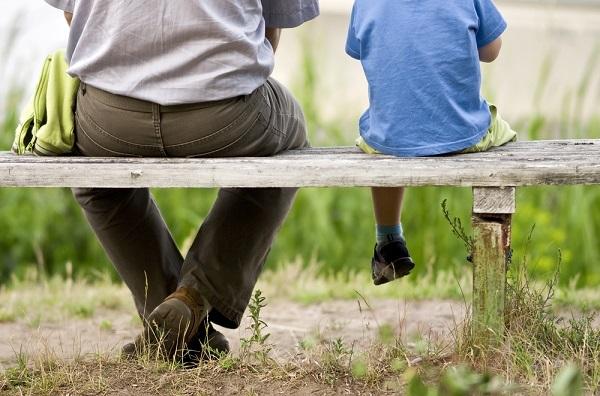 子連れ再婚で増える「義理パパ」 新しい家族の中で感じる憂鬱に専門家がアドバイス