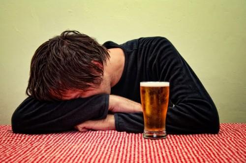 「下戸男子」の酒の力に頼らない恋愛姿勢