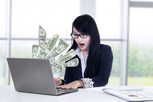 新卒女子社員の希望年収は平均669万円