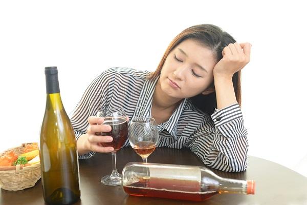 お酒や食べ物ばかりにお金を使って残高はマイナス 超好き勝手生きてる29歳女の闇――知られざる女の真実Part17