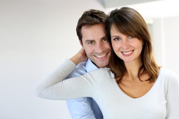 イギリスでは夫と妻の名字をミックスして名乗ることも可能! 世界の夫婦別姓事情