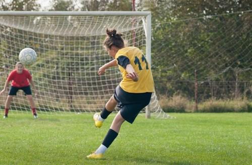 女子サッカーアメリカ代表の強さの秘密とは? ママ選手、同性愛選手も活躍できる環境づくりがカギ