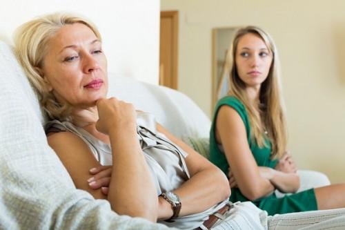 熟年離婚した母が許せない女性のお悩み