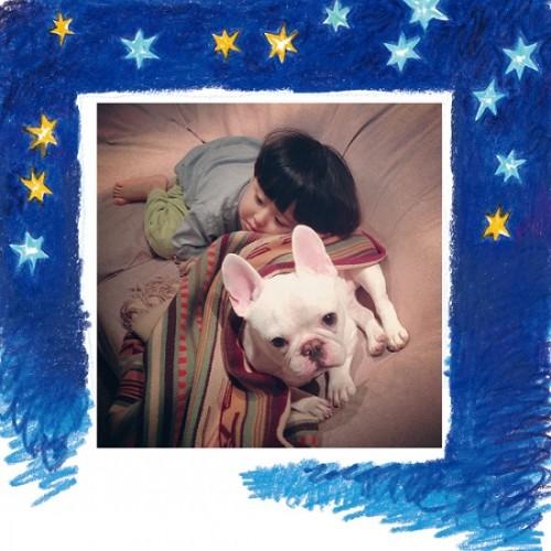 インスタで人気の犬と子どもたちの日常