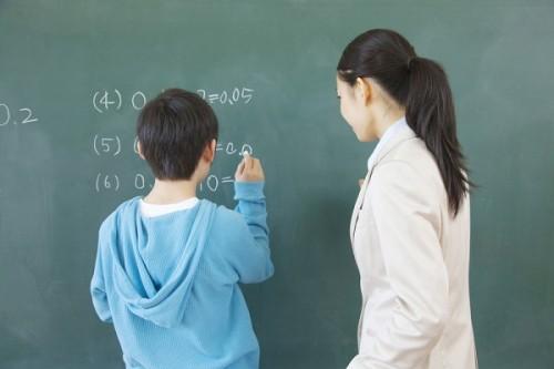 少子化だから教員数削減は合理的?
