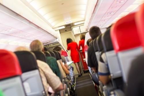 泥酔客が飛行機で起こした怖い事件3選