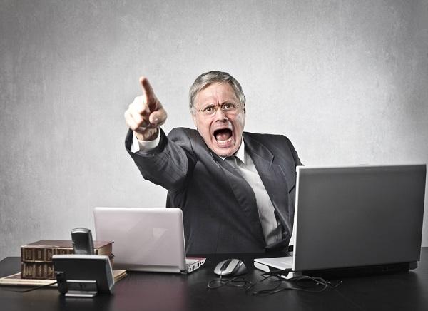 「PCを使わせない」「誤字で1時間怒鳴られる」 本当にあった恐いパワハラの話