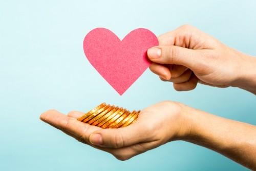 自分より収入が低い人と結婚できる?