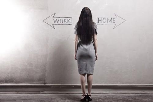 子育てしながら働くか仕事を辞めるか