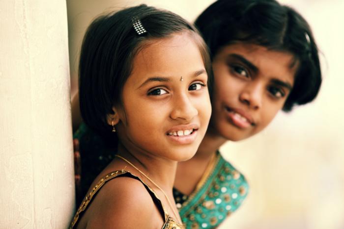 """使用済切手1キロで、少女の人生が変わる """"もったいない精神""""を力にする海外支援"""