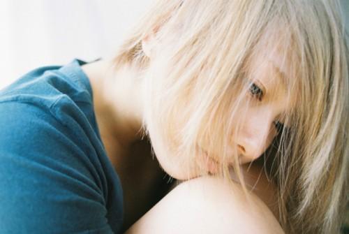 『寝起き女子』の写真家が教える、印象に残る女性の特徴