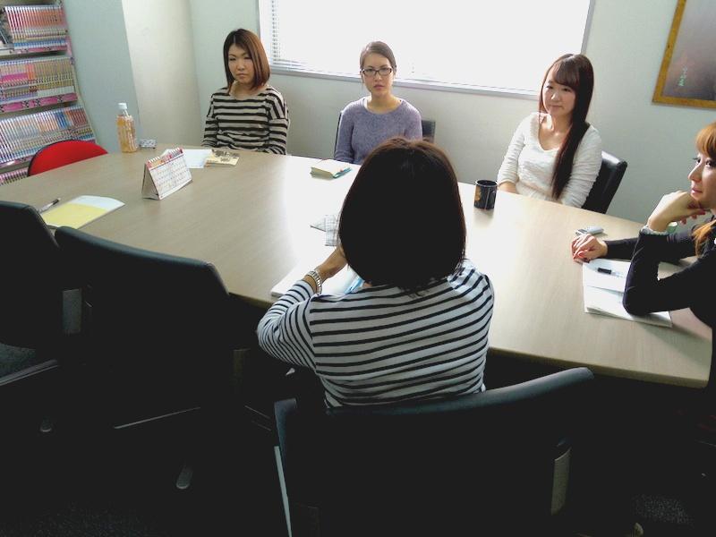 社員の性体験を作品に活かす 女性向けAV企画会議の裏側