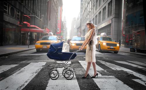 ニューヨークのベビーシッター、大晦日は時給6000円に 価格競争が過熱する背景