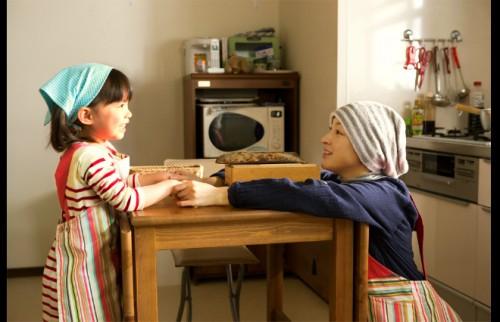 家族で過ごす普通の日常が幸せだった――がん闘病を描く映画『はなちゃんのみそ汁』原作者が語る
