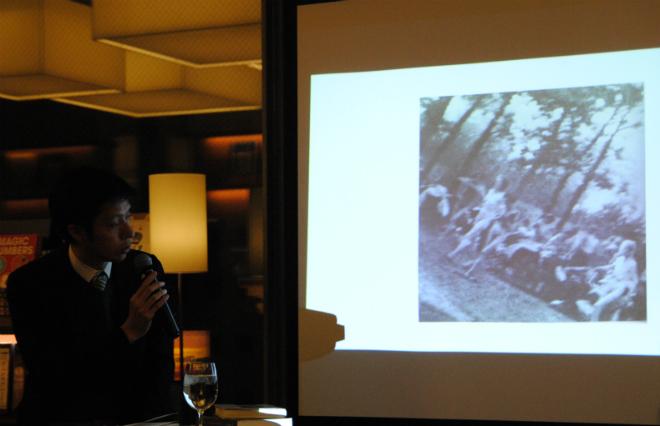 ガス室の陰から命がけで撮影 4枚の写真が見せる、アウシュビッツの過酷な状況