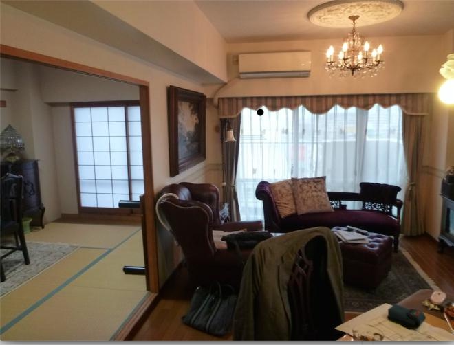 日本人はインテリアを諦めている ちゃぶ台と座布団の呪縛を解く、家具の思考術