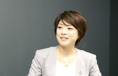 篠田恵里香弁護士
