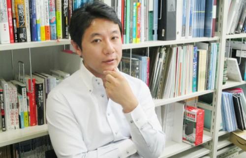 なぜ日本人は必死で英語を覚えるのか? 経営学者が分析する「グローバル」の弊害