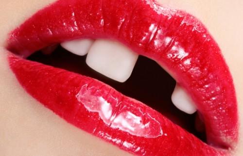 30歳を超えると「歯の習慣」が顔に出る