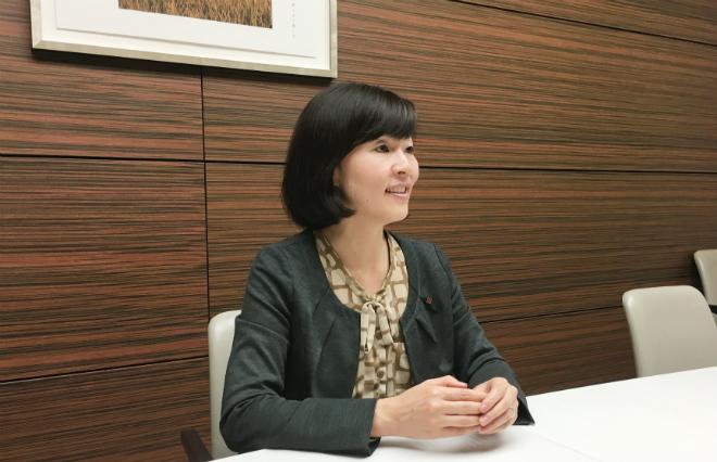 男性の育休率100%を、日本生命はなぜ達成できたか 1週間の取得は育児の「きっかけづくり」