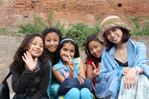 ネパールで子どもたちと