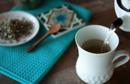"""日本伝統の""""薬草""""がスタイリッシュによみがえる 毎日飲むだけのセルフケア"""