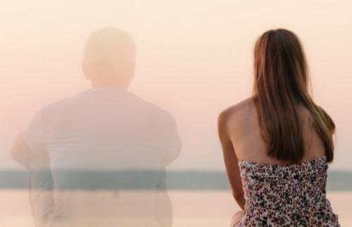 男は泣き、女は泣かない離婚式 元夫と顔を合わせない最新スタイルとは?