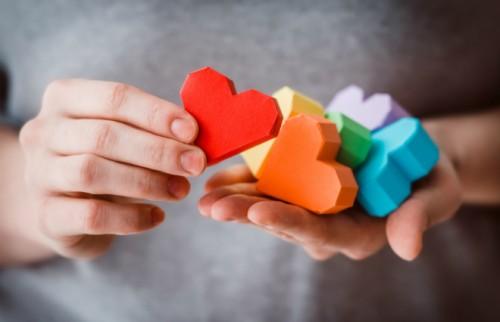 ユニークなLGBTサイト「やる気あり美」が目指すもの エンタメで差別意識を減らしたい