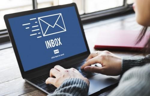 100%確実に「メールを読まれる女」になるには?「ギャップ」をさりげなく散りばめれば効果あり