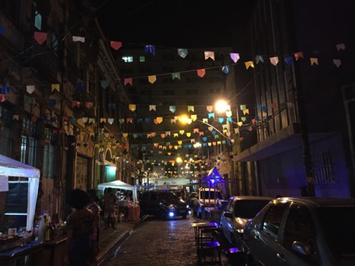 リオで踊り尽くす夜 片道24時間以上かけて私が旅をする理由